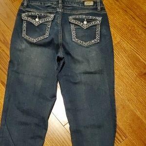 10 Earl Capris Jean